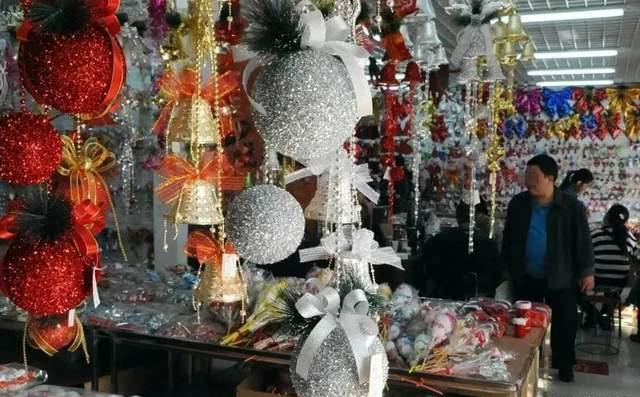 Christmas Village--Yiwu-1