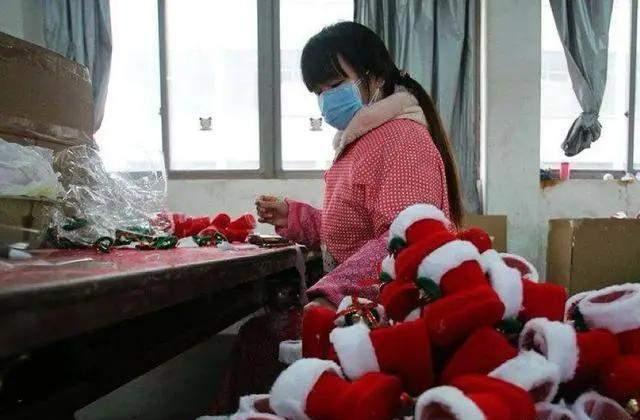 Christmas Village--Yiwu-2