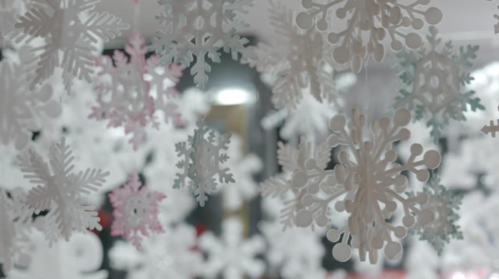 Merry Christmas, Yiwu--12