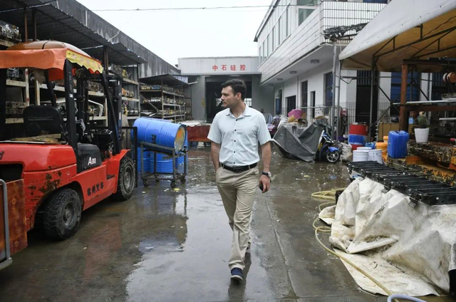 Middle Easterners in Yiwu-7